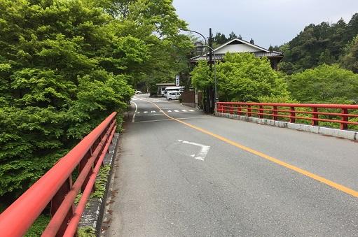 白雲橋。清滝川にかかるおくゆかしき橋。
