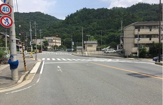 重要な分岐点信号。左は鞍馬・貴船。右は市街地。まっすぐは大原。