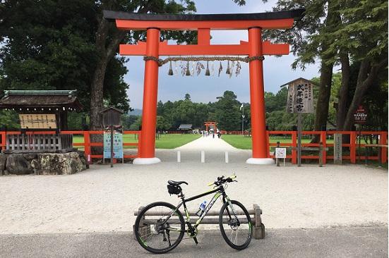 上賀茂神社正面赤鳥居前