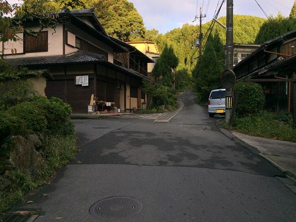 古道・長坂道入り口