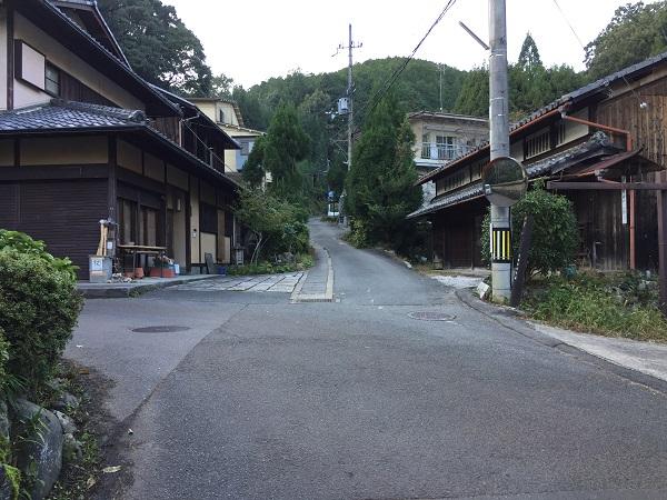古道・長坂道入口