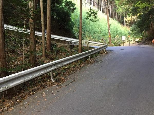 嵯峨側唯一のヘアピン ここから峠まで上がり続ける